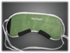 Schaumstoffpads an der Augenmaske für garantiert sonnenfreien Schlaf