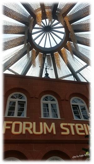 beleuchtete Glaskuppel Forum Stein