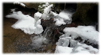 Eis an der Quelle