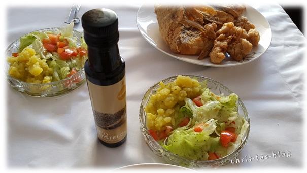 Kartoffel- und grüner Salat mit Bio-Distelöl