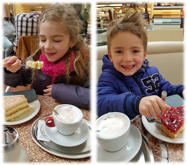 Cappuccino trinken mit den Kids