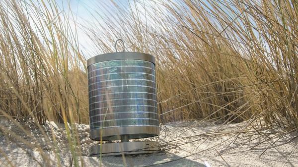 Edelstahl-Solarlampe in den Dünen