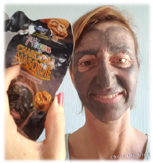Ich probiere die Charcoal Masque von 7th Heaven aus
