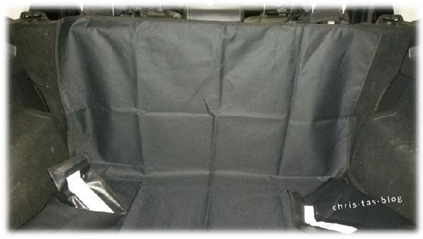 Befestigung der Kofferraum-Schutzdecke