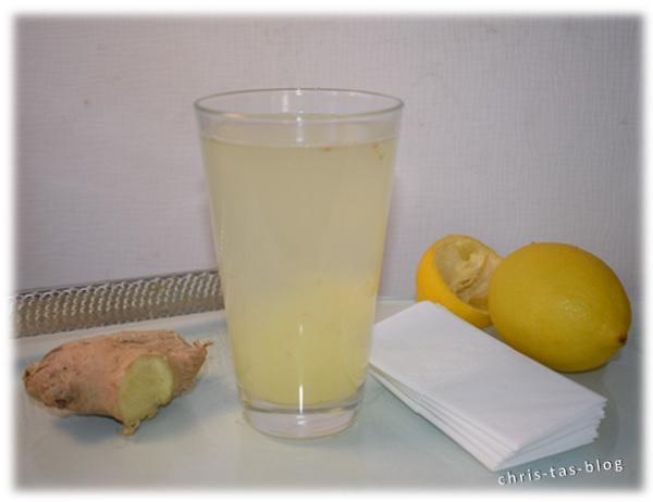 Heiße Zitrone mit Ingwer und Honig
