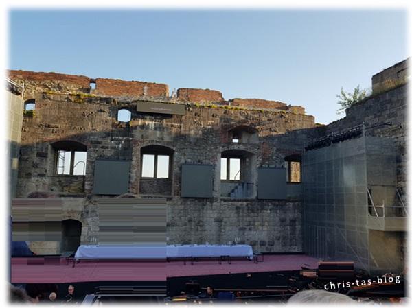 Rittersaal im Schloss Hellenstein
