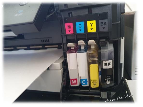 Druckerpatronen im Drucker