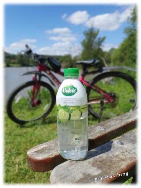 Volvic essence Gurke-Minze mit auf Radtour