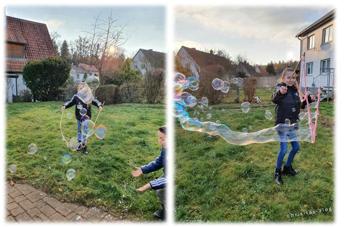 Spaß an den Riesen-Seifenblasen