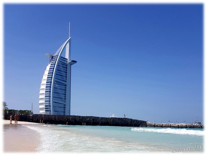 Am Strand vor dem Burj Al Arab Dubai