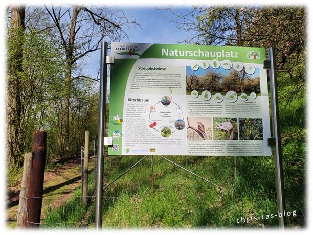 Infotafel zur Streuobstwiese Achelbachtal Naturlehrpfad