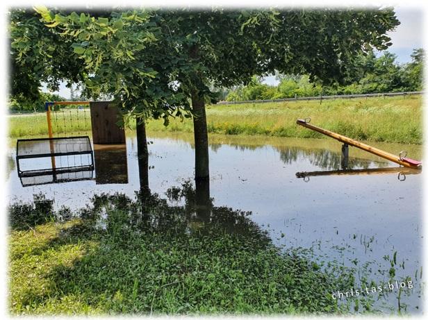 überfluteter Spielplatz bei Diespeck