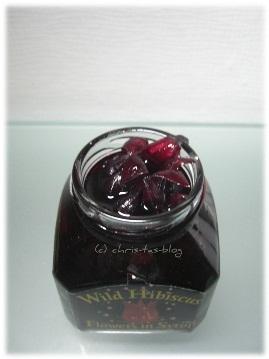 Hibiskusblüten im Glas für Sekt und andere Schlemmereien