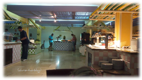 Abendessen - Buffet im Ola Club Cala Llenya Ibiza