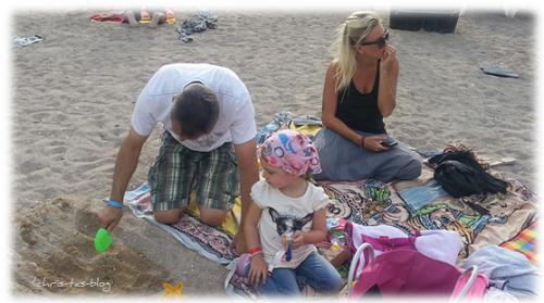 Sandspielen am Strand Benirras