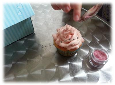 Cupcakes werden verziert