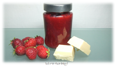Erdbeermarmelade mit weißer Schokolade und Minze