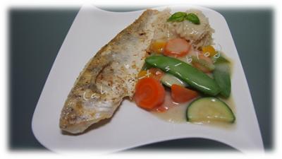 Gemüse-Pfanne mit Kokos-Curry-Sauce, Zanderfilet und Basmatireis