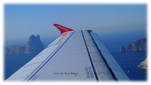 Ibiza - Flug vorbei an Es Vedras