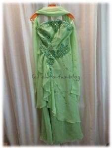hübsches Abendkleid in zartem Grün
