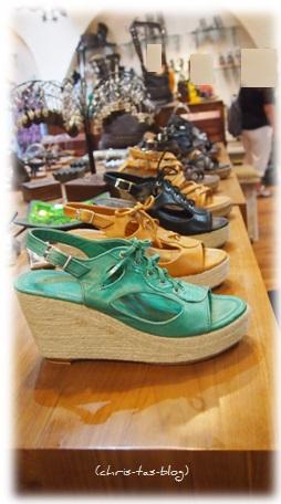 Schuhe auf dem Hippie Markt Ibiza