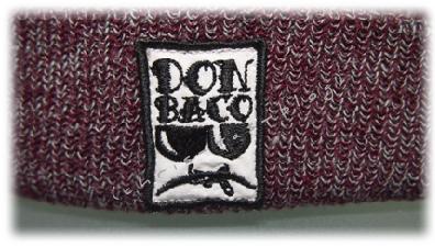 Logo auf der Beanie von Don Baco