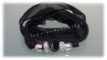 Satin-Wickelarmband in schwarz