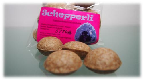 Schepperli = Leckerli für Hunde