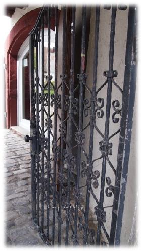 Schmiedeeisernes Tor zum Alten Schloss