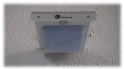 Solarlampe an der Wand