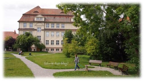 Spielplatz vor dem Neuen Schloss