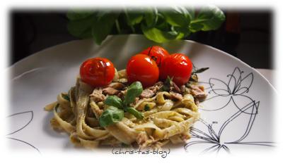 Tagliatelle mit Thunfisch und gerösteten Tomaten