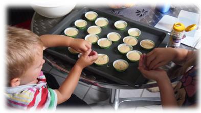 Wir backen Mini Muffins