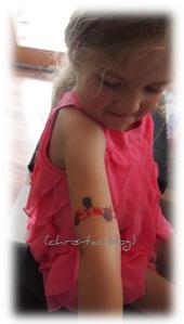 Virginia hat jetzt ein Tattoo