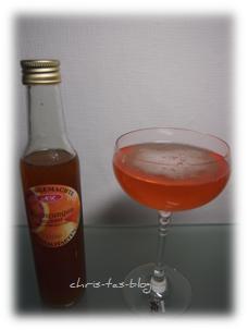Blutorangen-Essig in Sekt oder Wasser als Erfrischung