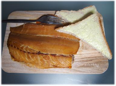 Räucherfisch mit Toast von Morhards Räucherlachs