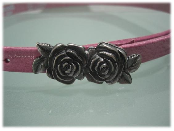 Kindergürtel in rosa mit Rosenblüten