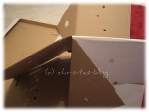 Papphaus wird zusammengebaut