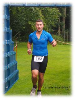 Zieleinlauf: Triathlon Neustadt Aisch 25.08.13