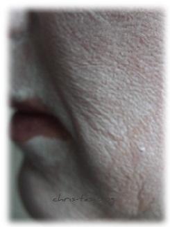 Straffende Gesichtsmaske auf meiner Haut
