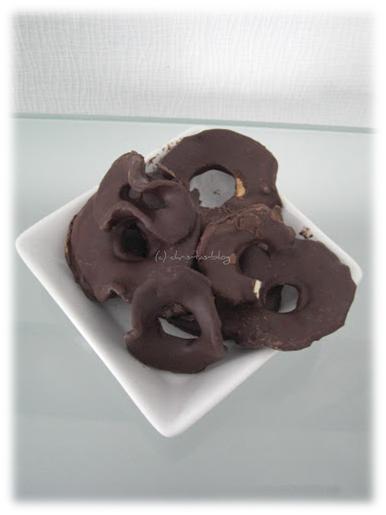 Apfelringe in Schokolade