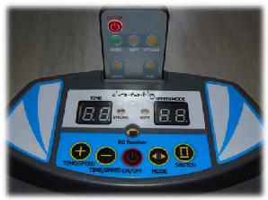 Display der Home 500 Vibrationsplatte von Skandika