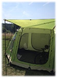 kleines Sonnendach am Zelt